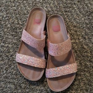Muk Luk sandals/ pink sparkle ✨